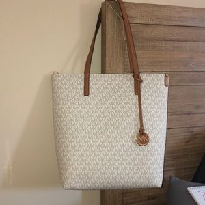 LOWEST PRICE! Large Michael kors tote MUST GO ASAP